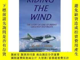 二手書博民逛書店Riding罕見the Wind: A Test Pilot s
