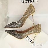 婚鞋 婚鞋女新款金色新娘高跟鞋尖頭細跟公主水晶鞋宴會伴娘鞋中跟 LN3910 【雅居屋】