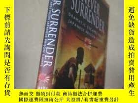 二手書博民逛書店NEVER罕見SURRENDERY10206 MARK FELT
