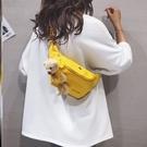 側背包 包包女斜挎包ins洋氣帆布時尚小動物拉鏈胸前單背包側背包中學【快速出貨八折鉅惠】