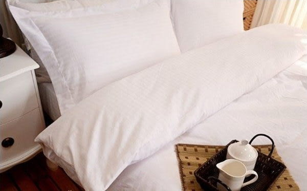 單品 (不含被套)-】《五星級飯店-緹花白床包》100% 精梳棉【雙人床包5X6.2尺/枕套】