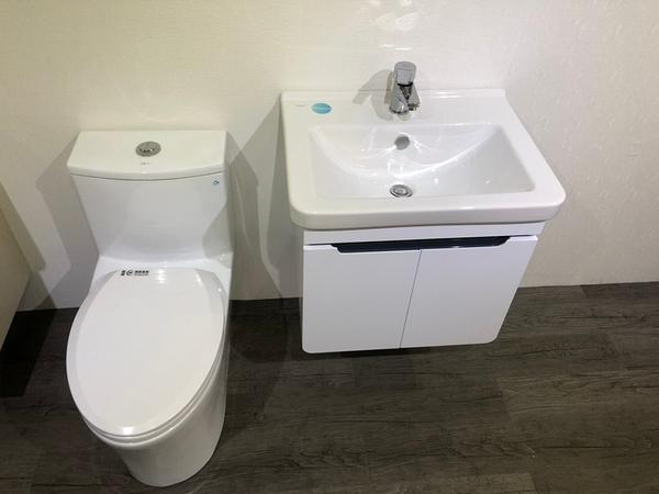 [ 超值衛浴套組-三件式 ] 歐洲進口品牌 VitrA面盆(寬60)+發泡板浴櫃+單體馬桶+水龍頭