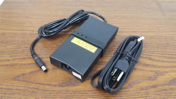 DELL 高品質 130W 圓孔針 變壓器 XPS XPS M2010 XPS XPS Gen2 XPS 14 (L401X) XPS 15 (L501X) XPS 15 (L502x)