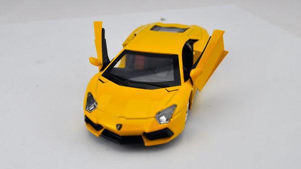 TwinS超跑林寶堅尼汽車香水座迴力汽車模型1:36【禮盒包裝】現貨+預購