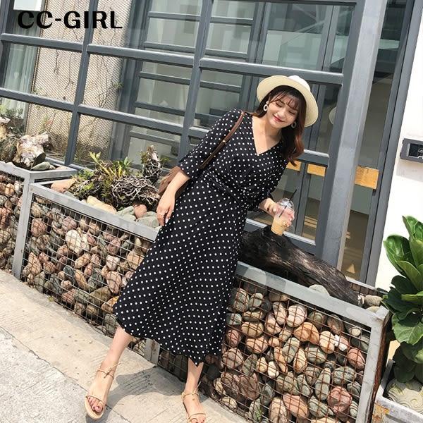 中大尺碼 氣質圓點V領收腰長洋裝~共兩色 - 適XL~4L《 67016L 》CC-GIRL   新品