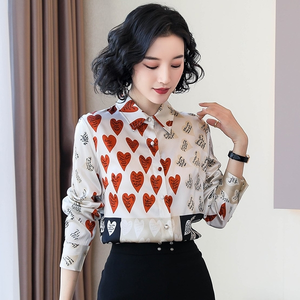VK旗艦店 韓國風絲質襯衫不對稱愛心印花時尚長袖上衣
