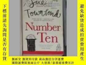 二手書博民逛書店英文原版罕見Number 10 by Sue TownsendY