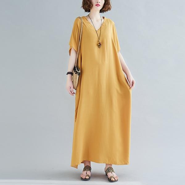 【YOUNGBABY中大碼】V領口袋寬鬆素面人棉長洋裝.黑/姜黃/孔雀藍