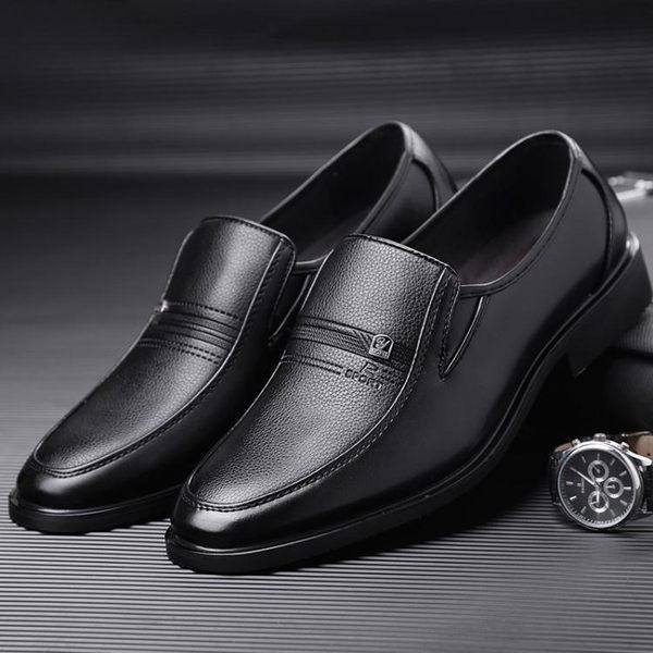 商務正裝無鞋帶不繫帶黑色上班工作男鞋休閒男士皮鞋軟皮西裝青年 雲雨尚品