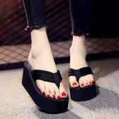 現貨-厚底拖鞋 拖鞋女夏時尚外穿百搭厚底坡跟防滑沙灘鞋海邊涼拖夾腳高9-24