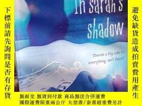 二手書博民逛書店In罕見Sarah s ShadowY15389 McCombi