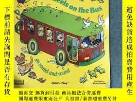 二手書博民逛書店The罕見Wheels on the Bus go Round and RoundY367477 Kubler