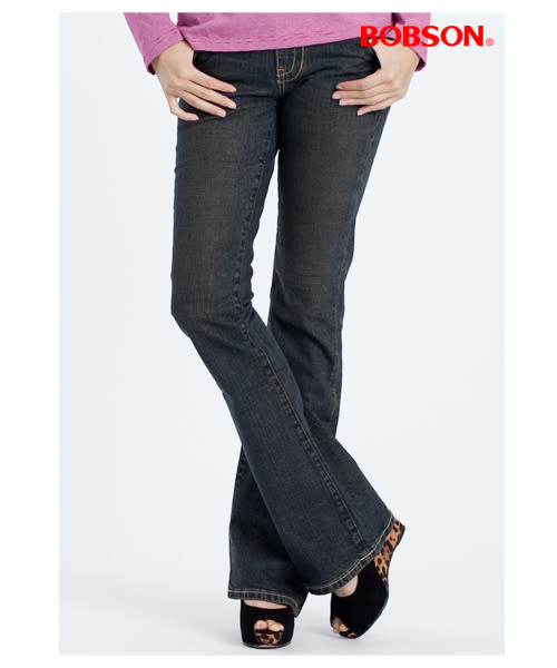 BOBSON 女款磨破貼口袋伸縮喇叭褲(9014-77)