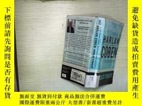 二手書博民逛書店HARLAN罕見COBEN HOLD TIGHT (001)Y1