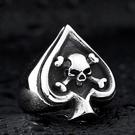 《 QBOX 》FASHION 飾品【RBR8-189】精緻龐克風黑桃花骷顱頭鑄造鈦鋼戒指/戒環
