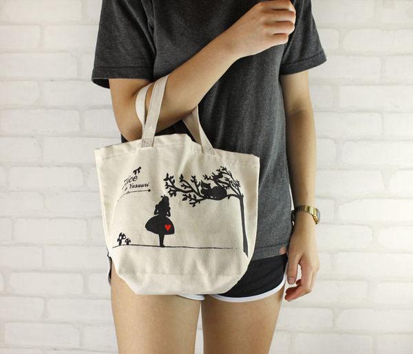 Alice新品-日本經典童話.愛麗絲.剪影.帆布袋.收納袋.購物袋.清新可愛
