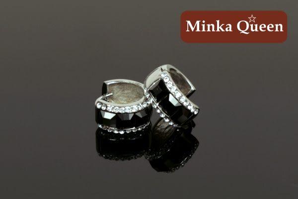 德國鈦鋼 黑色三排滿鑽造型 精緻水鑽、鋯石抗敏易扣耳環(一對)(15 mm)