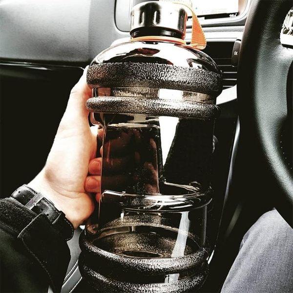 世軒健身水杯大容量男運動水壺便攜戶外塑料太空杯2.2L超大水桶杯  星河光年科技