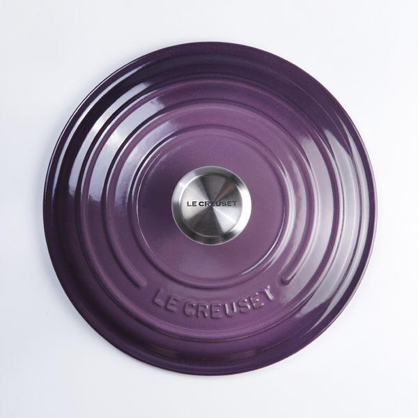 Le Creuset 新款圓形琺瑯鑄鐵鍋 22cm 3.3L 黑醋栗 法國製【Casa More美學生活】