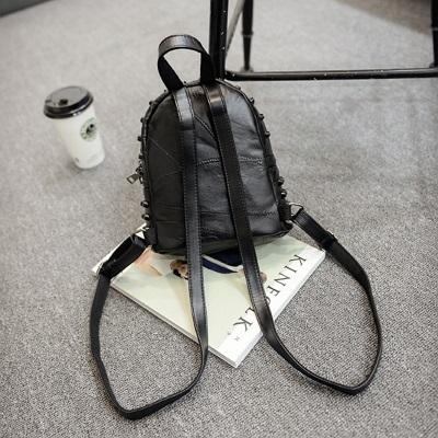 後背包-鉚釘時尚百搭率性大方女雙肩包73fd21【時尚巴黎】
