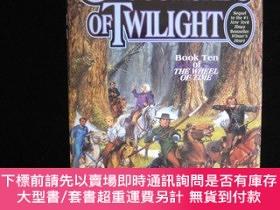 二手書博民逛書店預售時光之輪第十部:光影歧路美版精裝罕見Crossroads of Twilight The Wheel of T