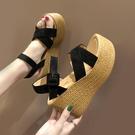 楔形涼鞋 網紅涼鞋女夏2021新款仙女風高跟坡跟防水臺鬆糕厚底一字帶羅馬鞋