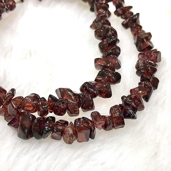 『晶鑽水晶』天然紅石榴 不規則形 項鍊 子牙烏 海底輪 血液循環 招桃花 母親節禮物