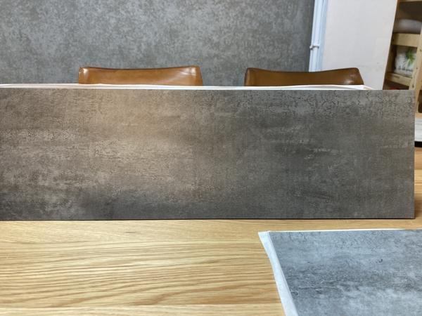 【dHSHOP】小歐巴黏黏地板 DIY 木紋 自黏 含背膠 2mm PVC 零甲醛 無塑化劑