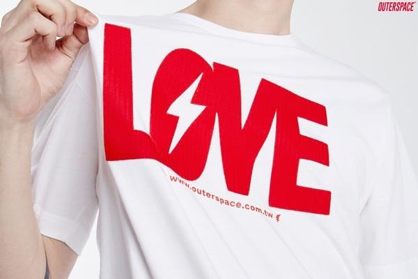 OUTER SPACE LOVE太空情人T(白紅 / 黑紅)