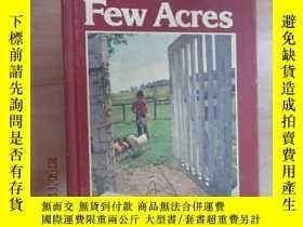 二手書博民逛書店英文書罕見Living on a Few Acres 硬精裝Y1