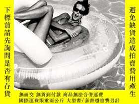 二手書博民逛書店Pool罕見Party: Sixty Years at the World s Most Famous Pool奇