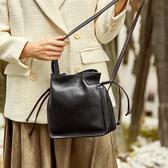 真皮側背包-抽繩純色牛皮時尚女肩背包3色73vg33【巴黎精品】