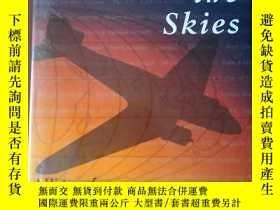 二手書博民逛書店Covering罕見the Skies A History of