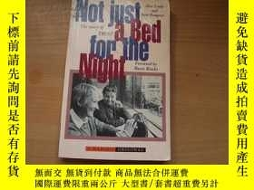 二手書博民逛書店英文版:Not罕見just a bed for the nigh