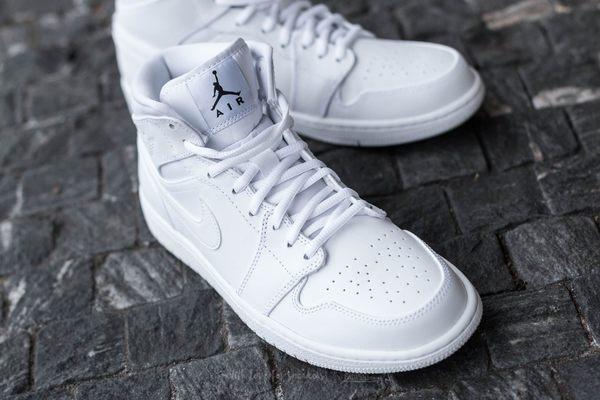 *Nike Air Jordan 1 Mid 全白 皮面 白色 男鞋 AJ1 喬丹 跳跳人 飛人 1代 554724-110