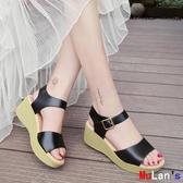 伊人閣 楔形涼鞋 涼鞋坡跟 鬆糕 厚底 防水臺鞋 一字扣