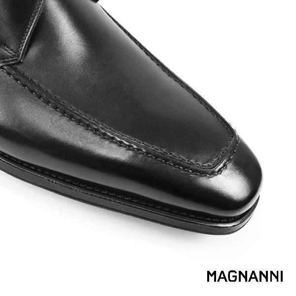 【MAGNANNI】簡約U-tip紳士皮鞋 黑色(13723-BL)
