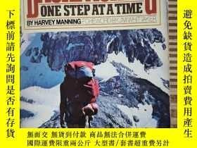 二手書博民逛書店BACKPACKING罕見ONE STEP ATA A TIMEY25624 VINTAGE BOOKS VI
