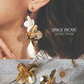 耳環 Space Picnic|垂墜雙層花拼接流蘇耳針耳環(現貨)【C18122001】