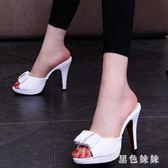新款涼鞋一字型超高跟細跟蝴蝶結魚嘴防水臺單跟女涼拖鞋 qf4122【黑色妹妹】