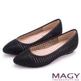 MAGY 低調時尚 閃耀打洞簍空尖頭平底鞋-黑色
