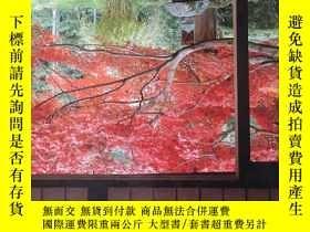 二手書博民逛書店THE罕見HIDDEN GARDENS OF KYOTO (京都