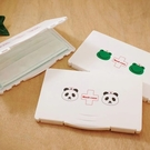 口罩盒設計輕薄,攜帶方便; 隨時能保持口罩的整潔,保持個人良好衛生