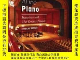 二手書博民逛書店【罕見】At The Piano:Interviews With