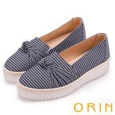 ORIN 引出度假氣氛 表面特殊布料休閒平底鞋-深藍