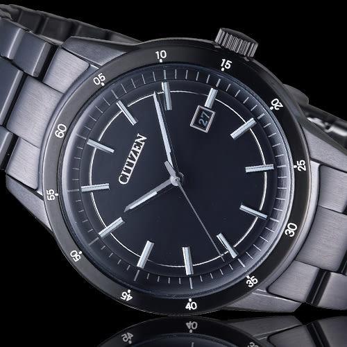 CITIZEN Eco-Drive 黑武士光動能時尚腕錶 AW1165-51E