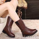 冬季媽媽靴子女加絨保暖皮鞋平底女棉鞋中老年女士中筒靴大碼皮靴  水晶鞋坊