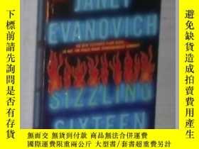 二手書博民逛書店英文原版罕見Sizzling Sixteen by Janet