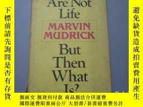 二手書博民逛書店英文原版:Books罕見Are Not Life But The