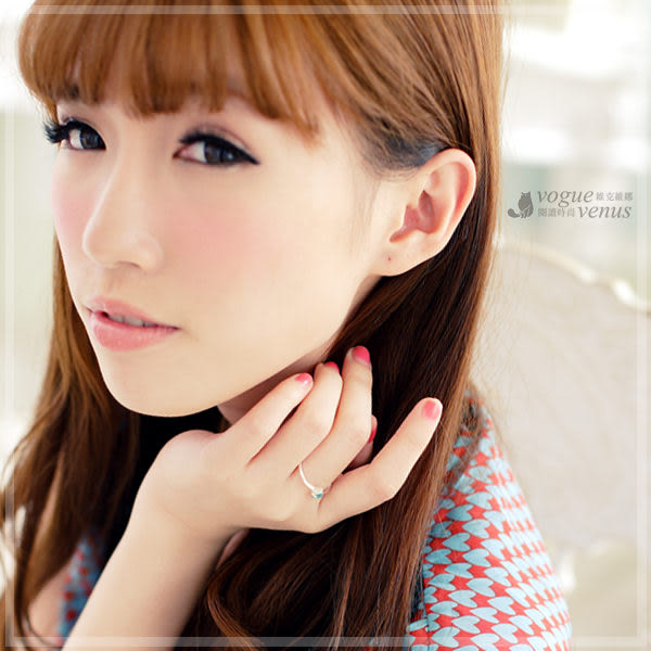 甜蜜之吻 經典藍綠寶石愛心設計戒指  韓系造型戒指 - 維克維娜